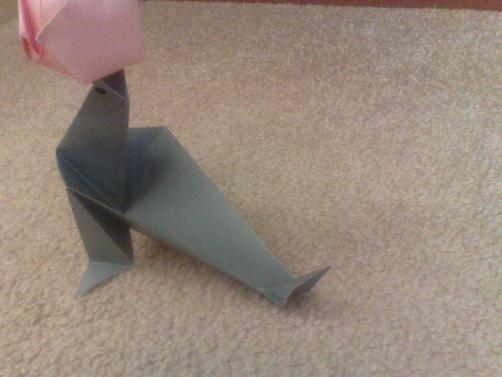 Meka craft paper craft origami seal with a ball jeuxipadfo Gallery