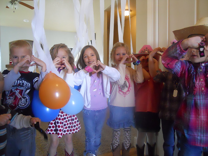 Where is the ME in Mommy?: Days of Play: Taylor Swift Birthday Party