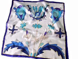 Céges ajándék ötletek karácsonyra - kalotaszegi motívumok céges színekben, kék-fehérben