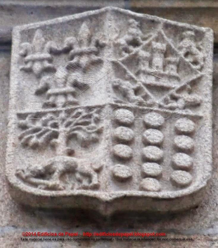 Tercer escudo en la portada