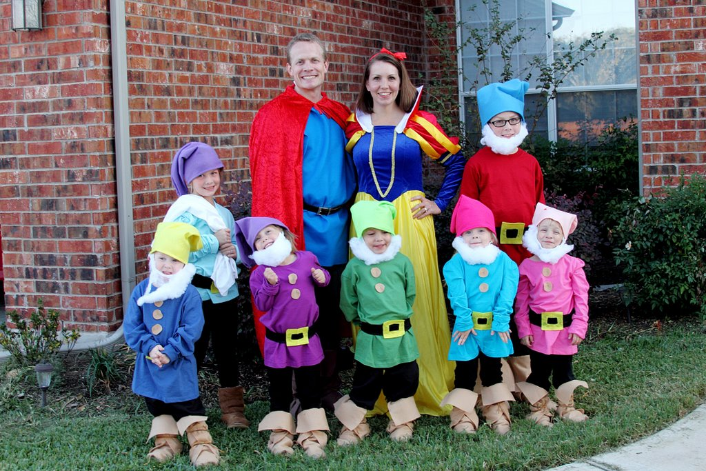 snow white and the 7 dwarfs costumes infant