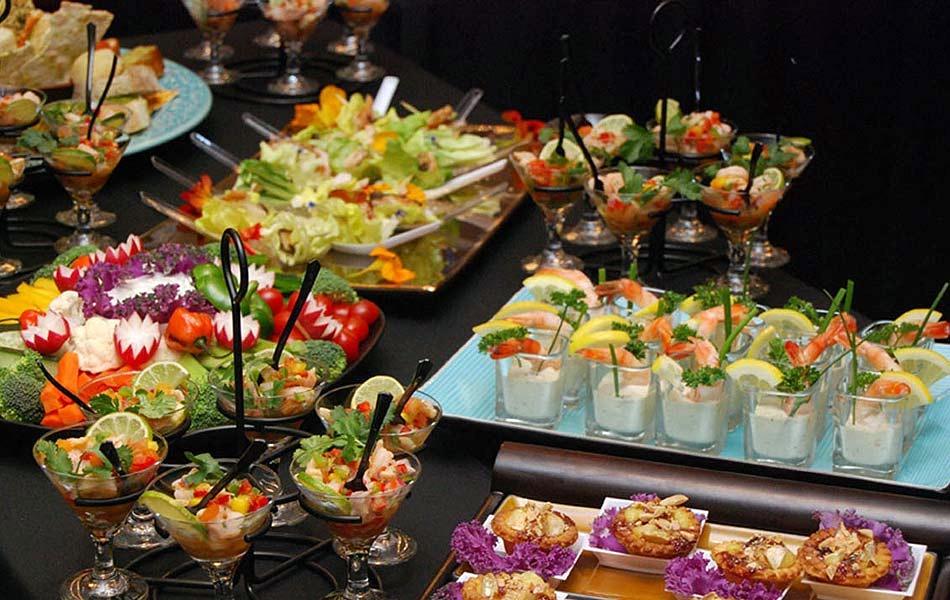 El buffet de ensaladas es una parte casi imprescindible del buffet ...