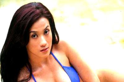 Foto Model Hot Eva Ajeng istri siri Walikota Palembang Eddy Santana Putra