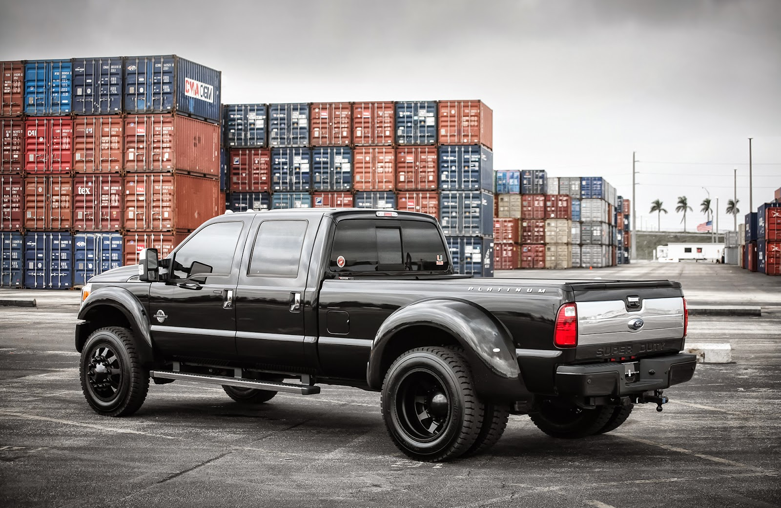 exclusive motoring ford f350 platinum dually on american force wheels. Black Bedroom Furniture Sets. Home Design Ideas