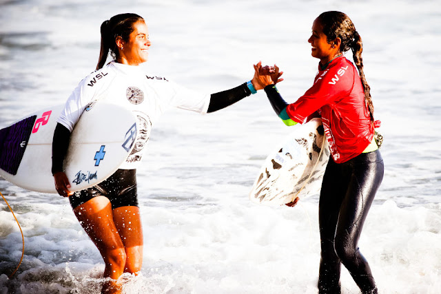 13 Vahine Fierro PYF and Marcela Machado CNY Pena Txuri Junior Pro Sopela Foto Laurent Masurel
