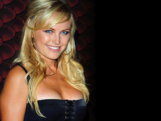 10 Wanita Paling Hot Versi MAXIM Magazine [lensaglobe.blogspot.com]