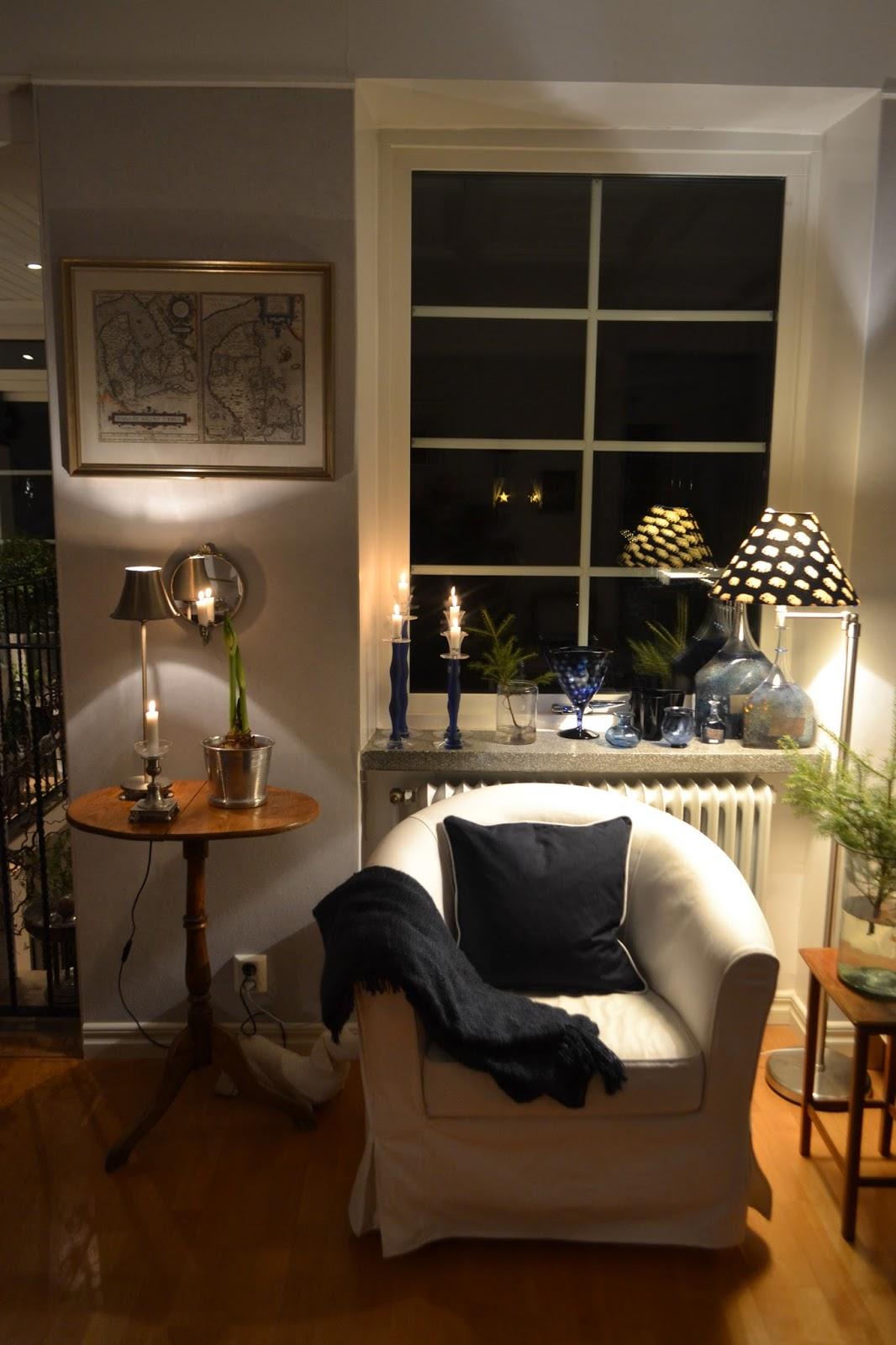 rignellskans ljuva hem. . .: Några kvällsbilder från vardagsrummet.