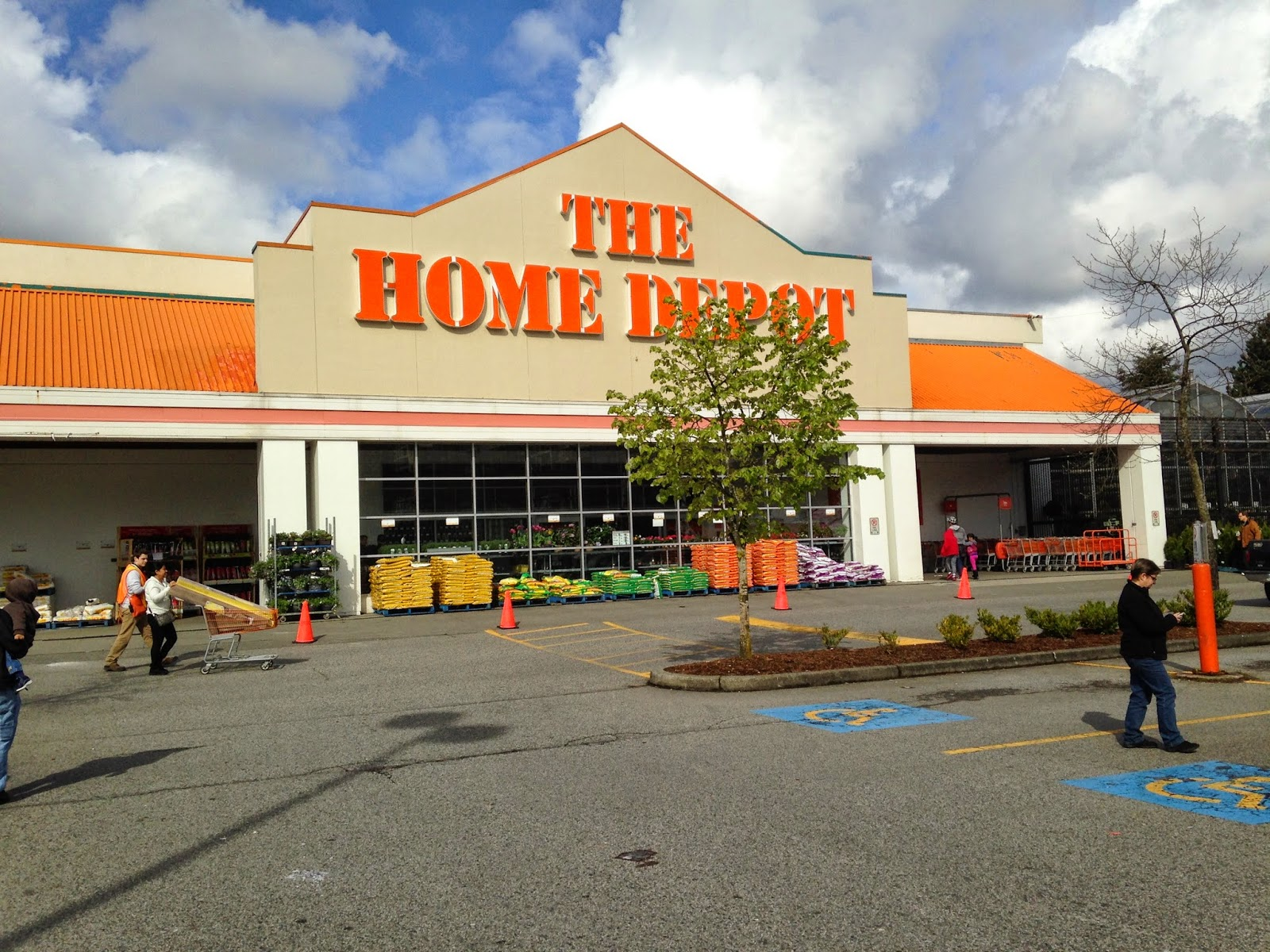 Home Depot will not honor their Military Discount if the spouse does the shopping at Home Depot. The vet has to be there in person. Even having your spouse's Military Card is not good enough for them/5().