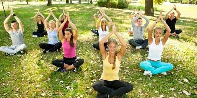 Kesehatan : 3 Pose Yoga Bisa Mencegah Sakit Punggung