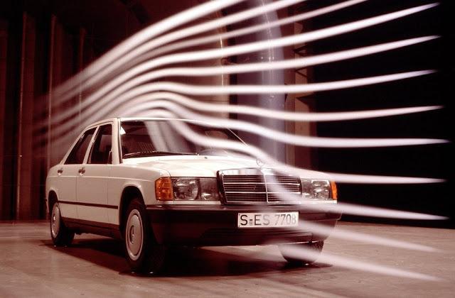 Mercedes 190 - por razaoautomovel.com Mercedes-Benz-190E_1984_1024x768_wallpaper_14