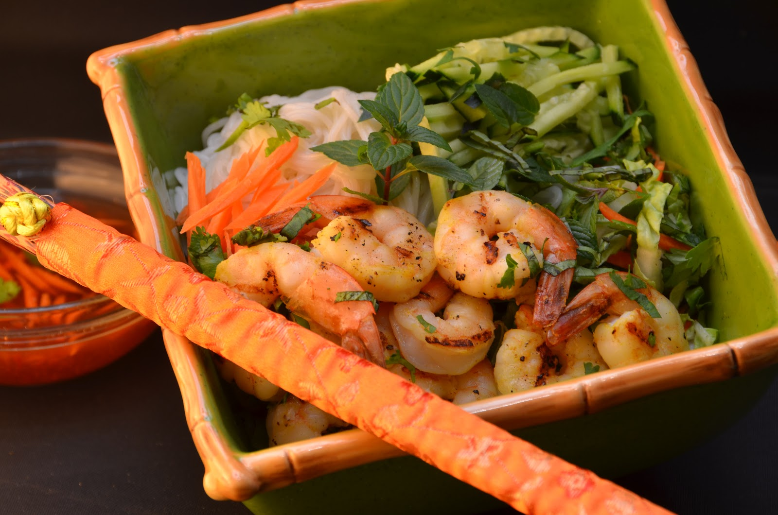 Vietnamese BBQ Shrimp Vermicelli (Bun Tom Heo Nuong ...