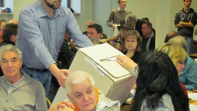 In geheimer Wahl stimmten die SPD-Mitglieder ab, die sie zur Kreistagswahl im Mai 2013 ins Rennen schicken wollen. Foto: P. Konermann