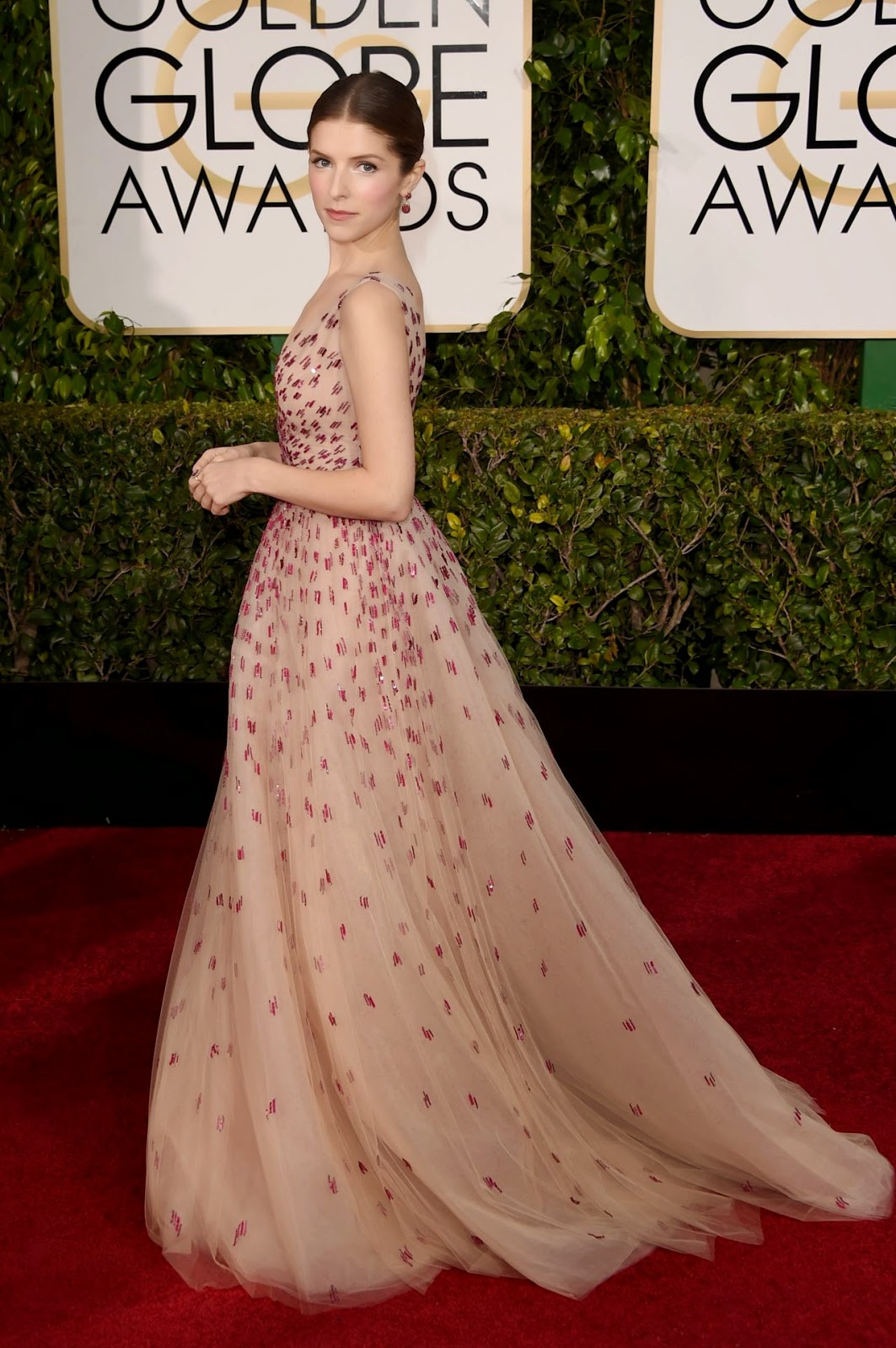 Anna Kendrick wows in Monique Lhuillier at 2015 Golden Globes