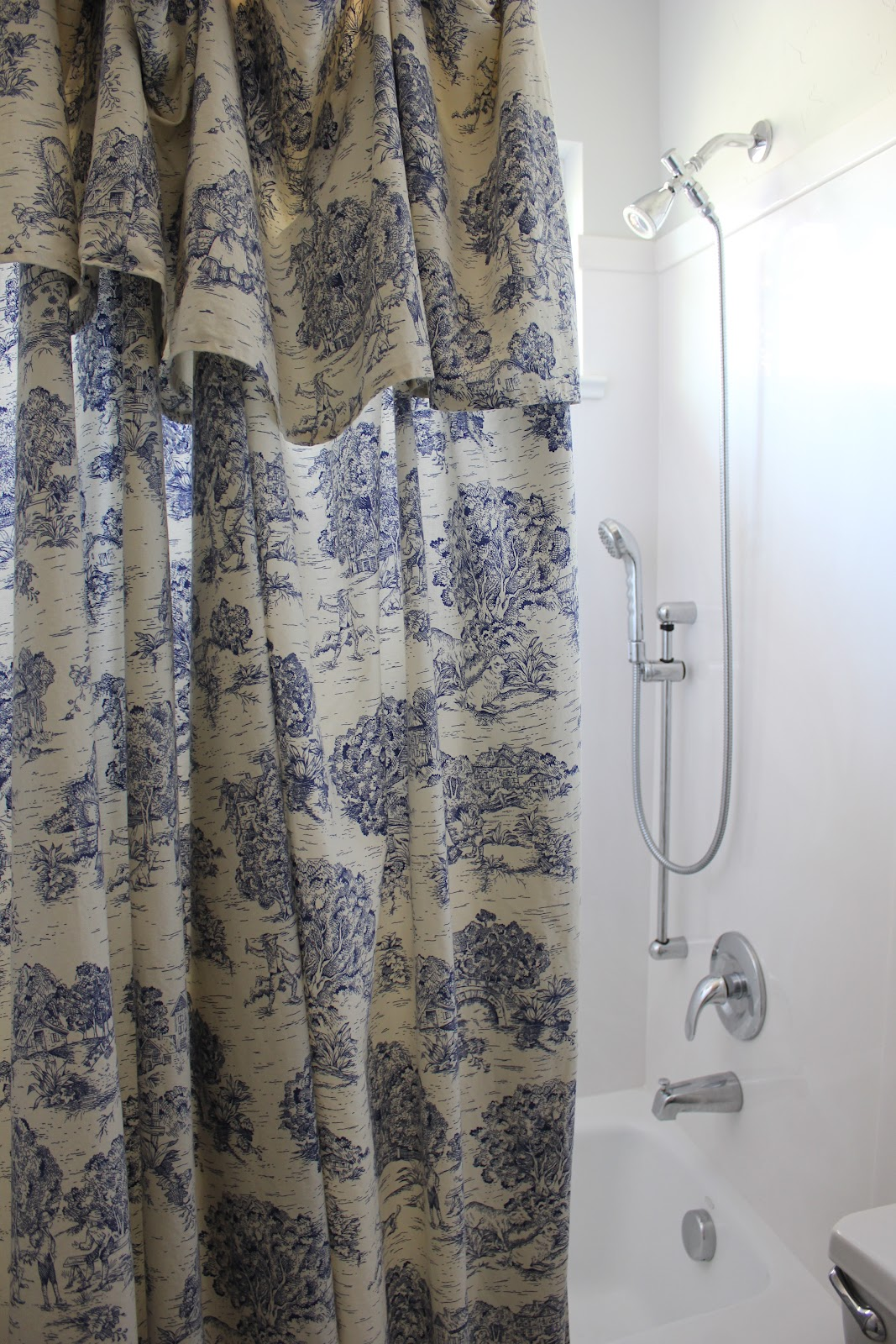 i could never find a big enough toile shower curtain that didnu0027t seem chintzy so i sewed one myself