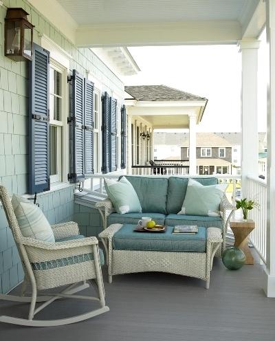 outdoor coastal living room