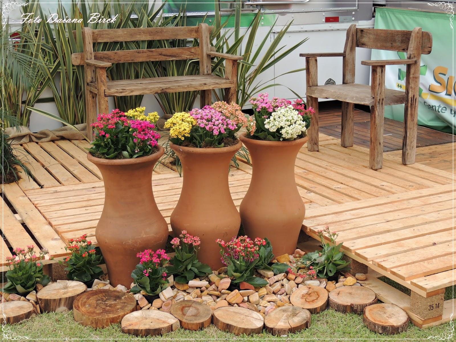Cativa artesanato jardim r stico composi o - Como decorar un jardin rustico ...