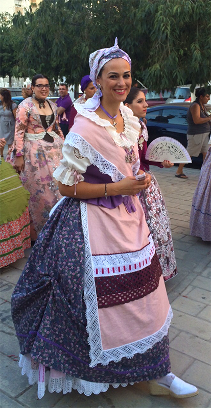 Traje regional de alicantina: traje de faena típico del siglo XVIII