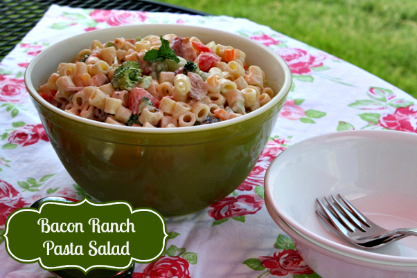 bacon ranch pasta salad {the perfect picnic salad}