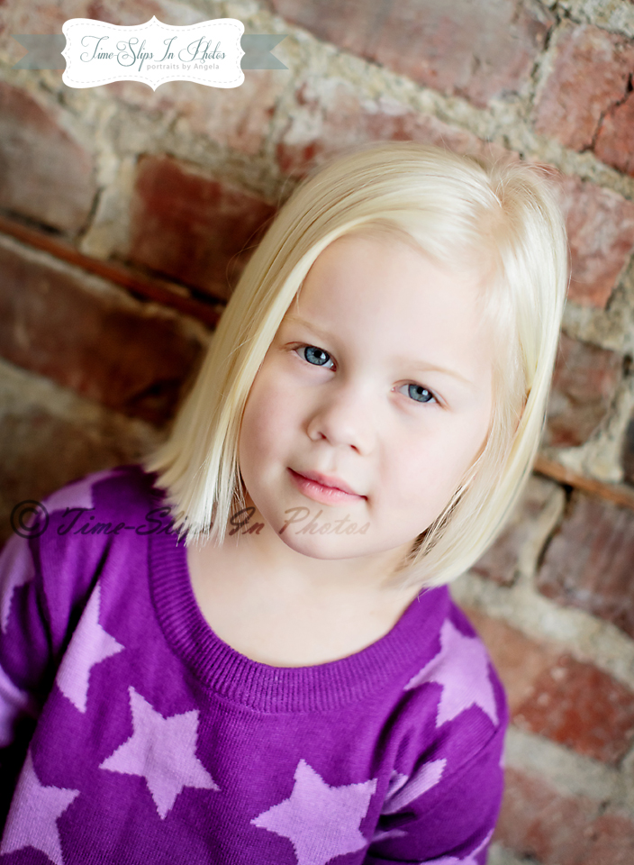 blond_toddler_girl_star_sweater_2