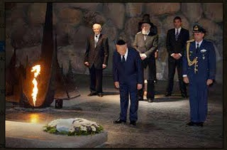 Τα πραγματικά επίθετα αυτών που μας κυβερνούν...Δεν είναι ΕΛΛΗΝΕΣ !