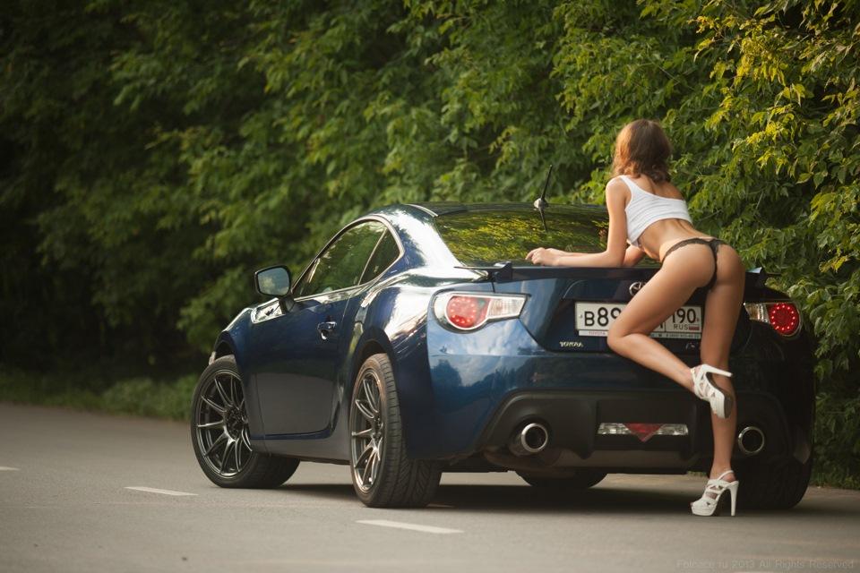 Toyota GT86, kobiety i motoryzacja, dziewczyny przy samochodach, zdjęcia, fotki