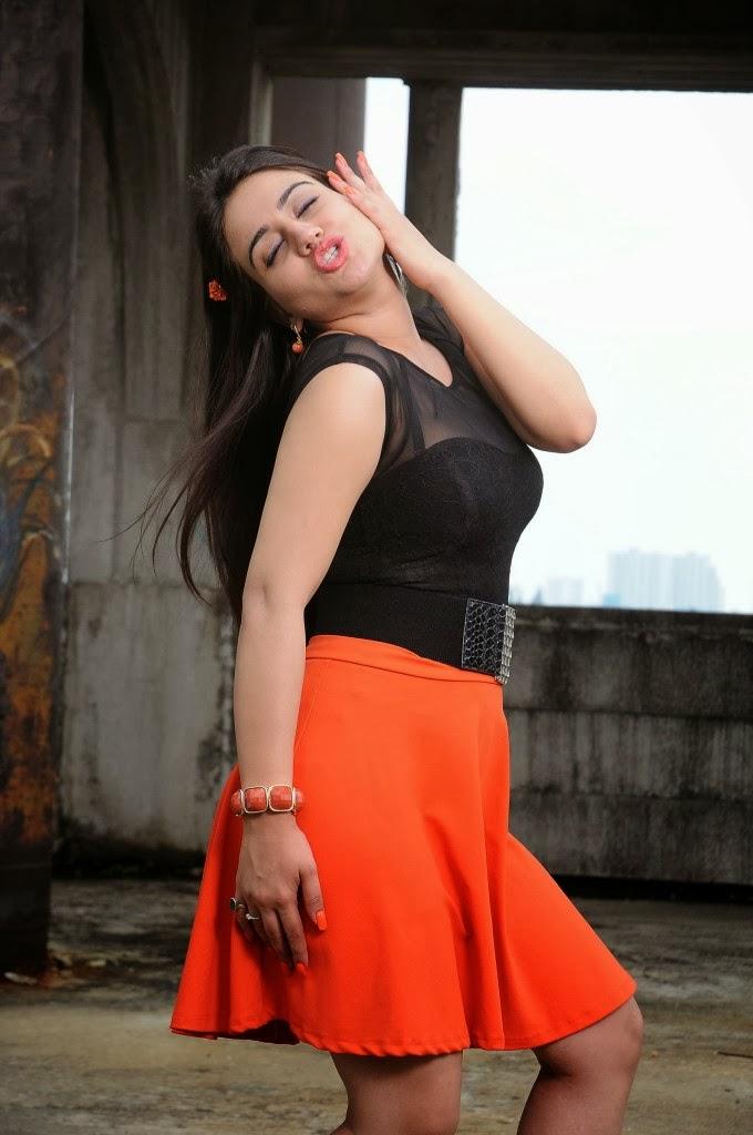 Actress Aksha Pardasany Hot Spicy Photos Gallery | Tv Actress
