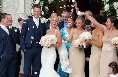 Lễ cưới ngọt ngào của Jonny Evans và MC xinh đẹp