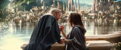 Chris Hemsworth and Natalie Portman in Thor: The Dark World