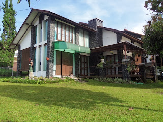 http://vilaistanabungavilage.blogspot.com/2015/07/booking-villa-istana-bunga.html