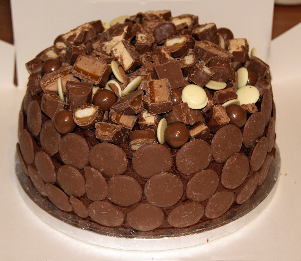Decorate Cake With Chocolate Bars