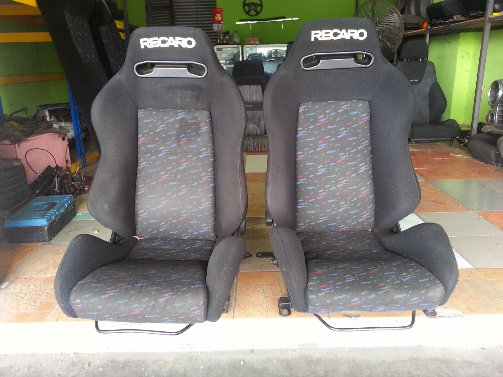 dingz garage seat recaro sr3 le mans evo. Black Bedroom Furniture Sets. Home Design Ideas