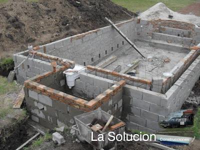 Lasolucion piscinas casilla para la bomba y filtro de arena for Piscina de arena construccion