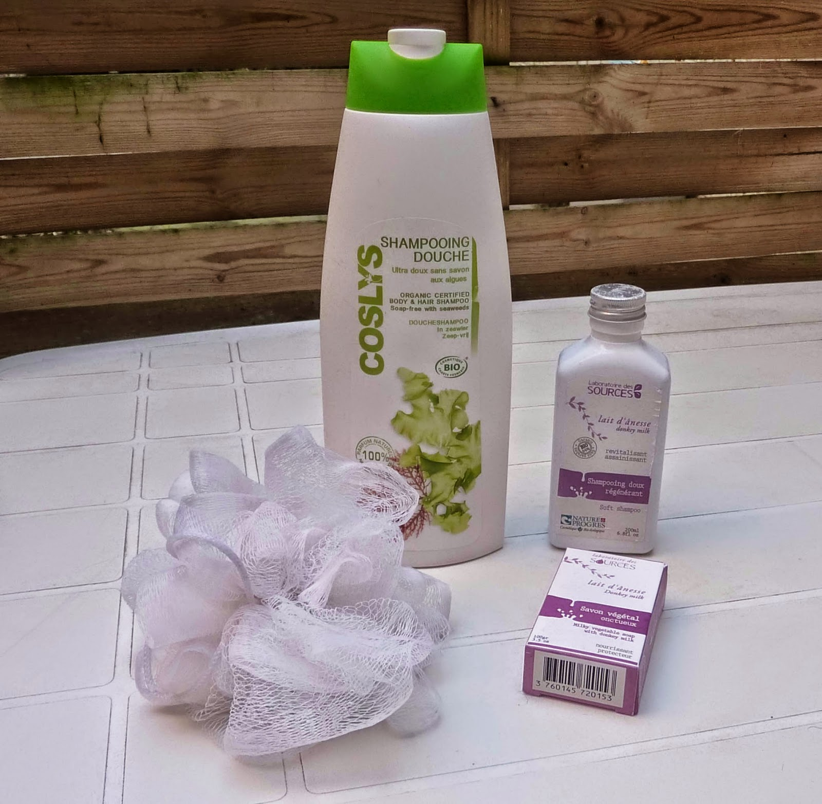 shampoing-douche-coslys, soins cheveux, savon