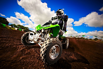 2011-Kawasaki-KFX-450R-On-Track