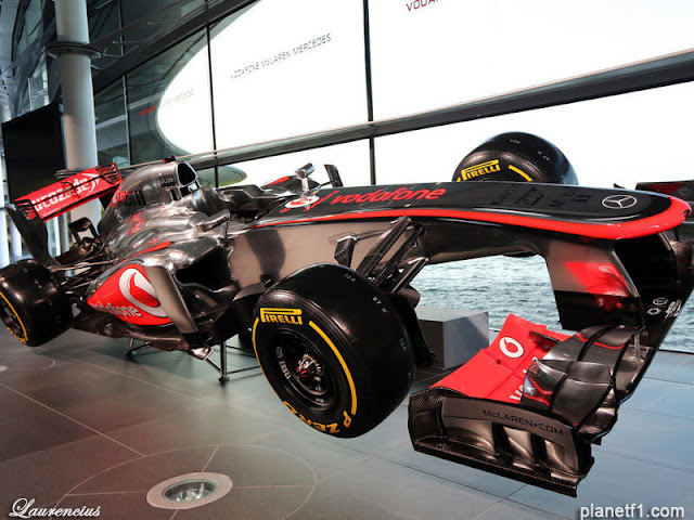 Mobil-McLaren-MP428-launch-F1-2013