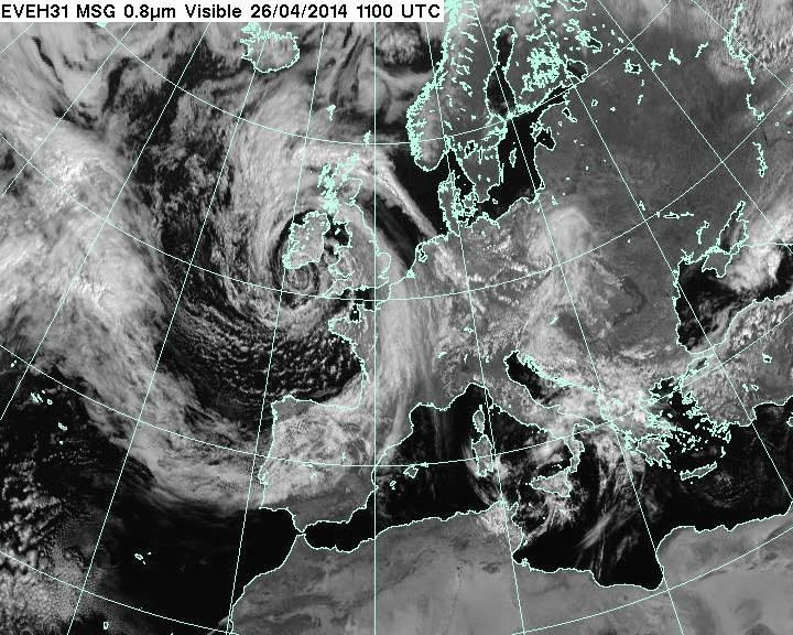 http://www.metoffice.gov.uk/satpics/latest_VIS.html