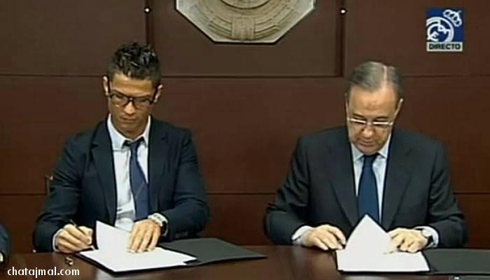 كريستيانو رونالدو يوقع لعقده الجديد مع ريال مدريد لعام 2018