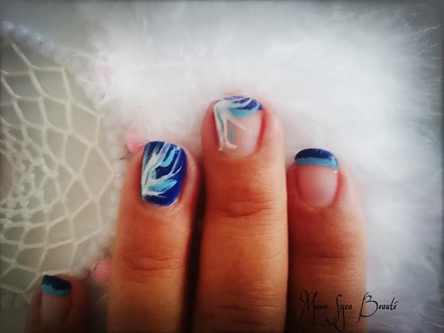 vernis à ongles pb cosmetics essie bleu