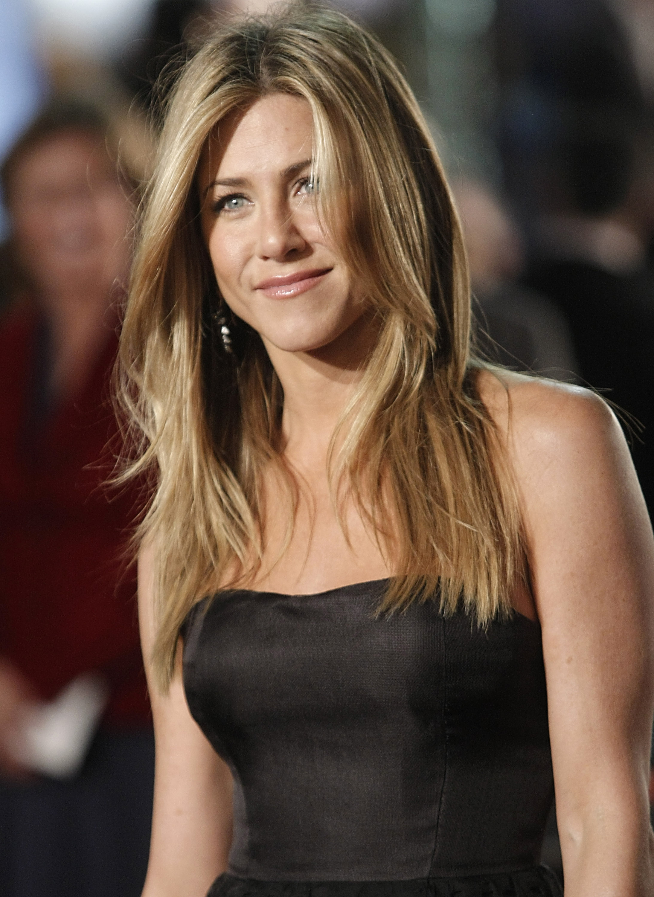 Celebrity -Jennifer Aniston Biography and Life Story - YouTube