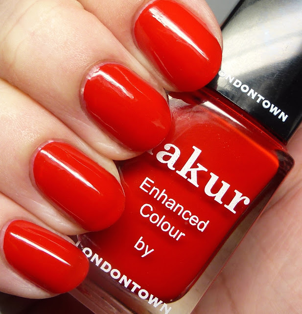 Lakur Enhanced Colour by Londontown Londoner Love