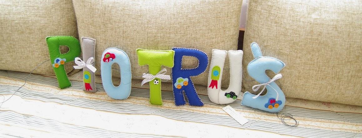 Napis z filcu do pokoju dziecięcego