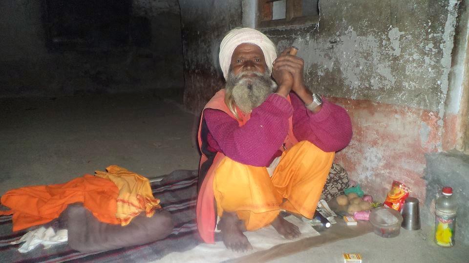 sadhus in himalayas