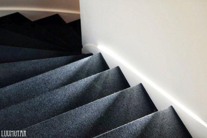 Maton asennus portaisiin
