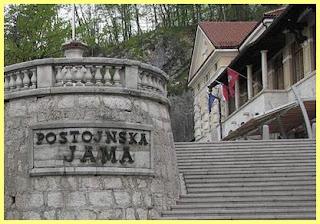 Entrada cuevas Postojna