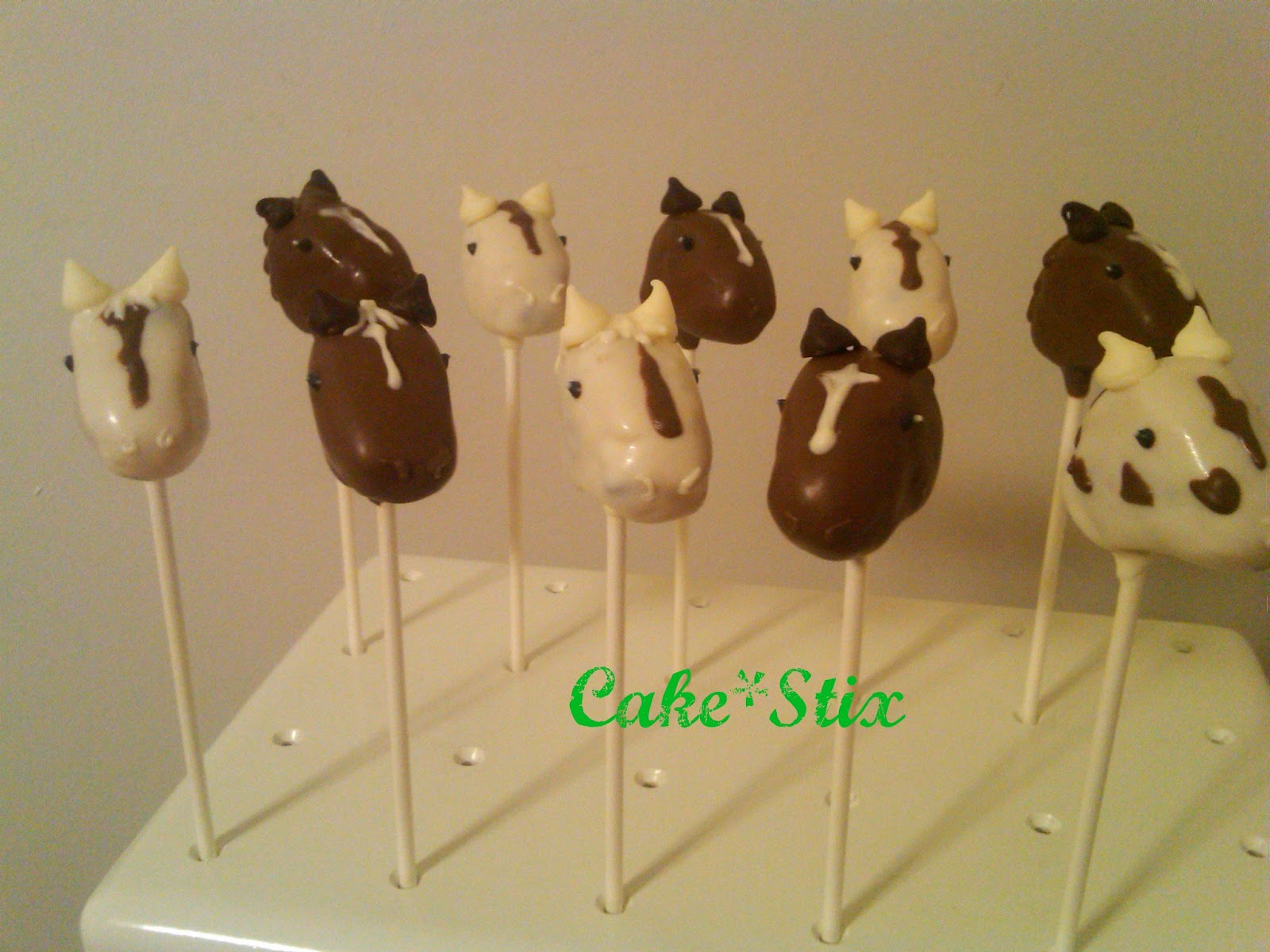 Horseplay How to Make Pony Pops Cake Bytes