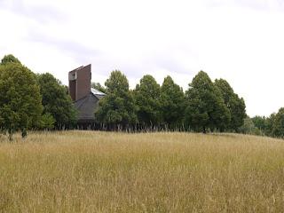 Aussegnungshalle des Neuen Südfriedhofs in München-Perlach