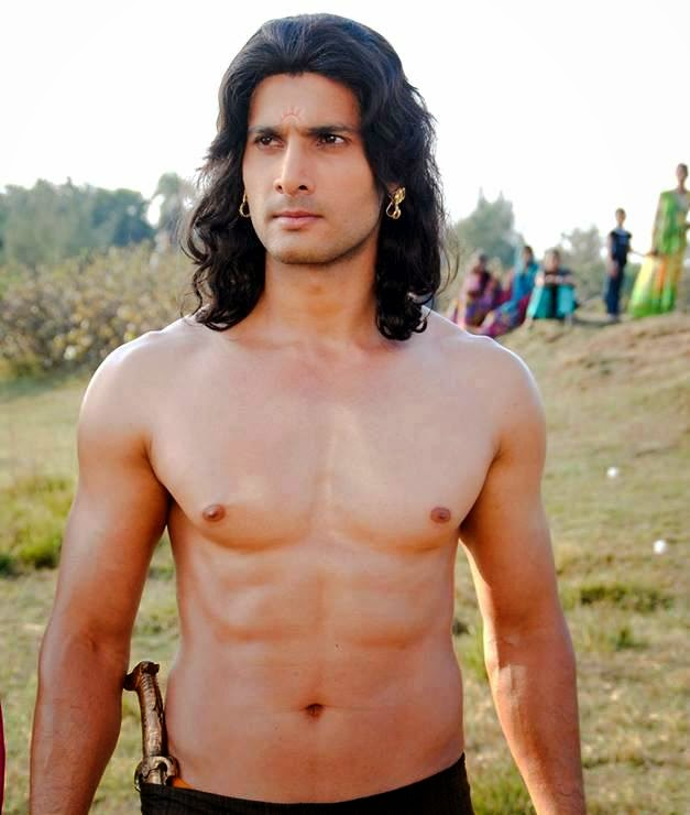 aham sharma body sixpack