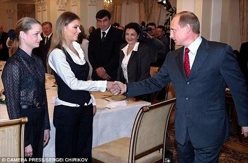 فلاديمير بوتين يكشف عن علاقة حب بعد عام واحد من طلاقه