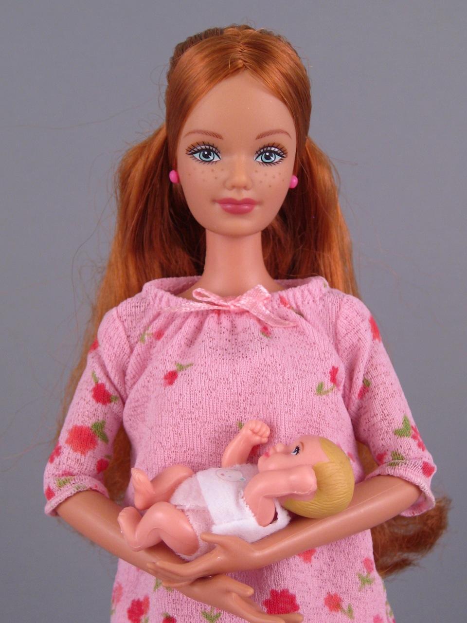 Happy Family pregnant Midge