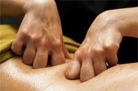 masaje en zona lumbar